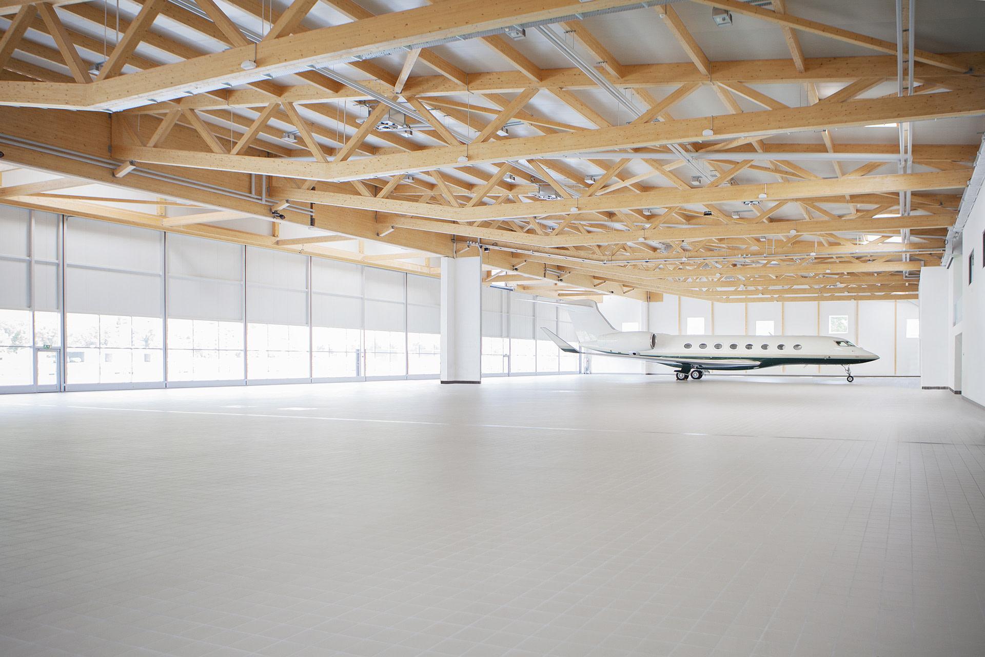 Hangarage Sion Airport - Partn'Air Management - Partn'Air