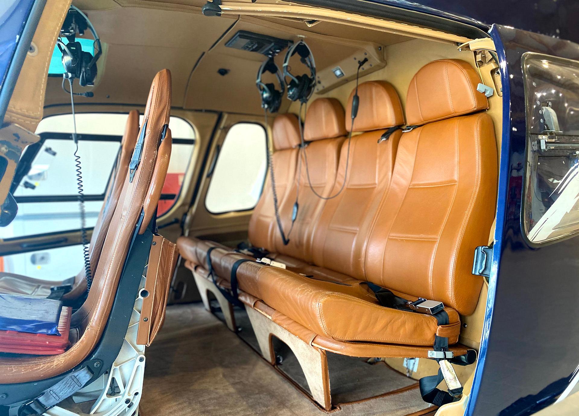 Intérieur AS350 B2 HB-ZIL - Partn'Air Training